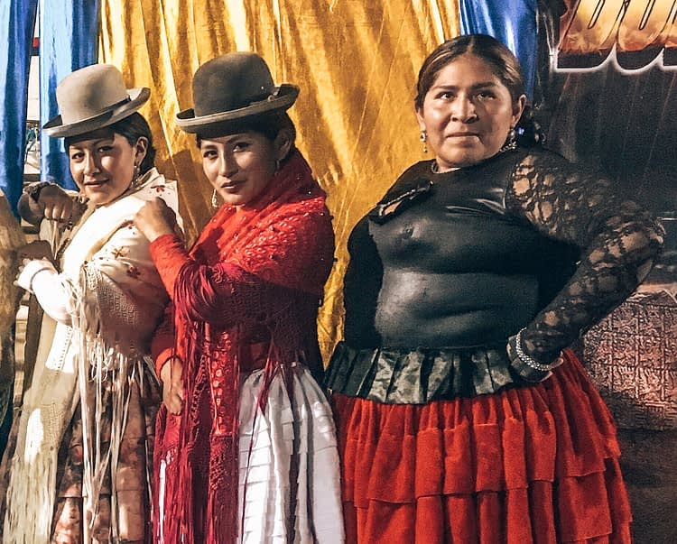 Cholita Wrestling - Things to do in La Paz Bolivia