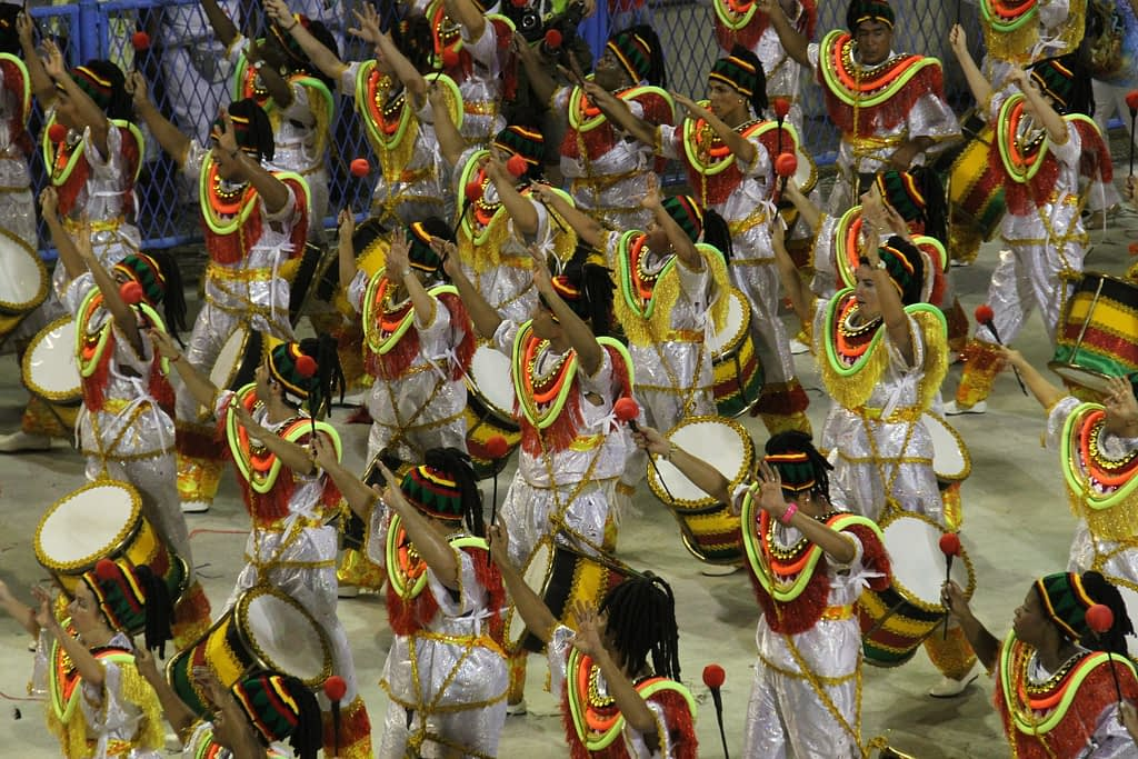 Complete Guide to Rio Carnival - Large group in matching carnival costumes