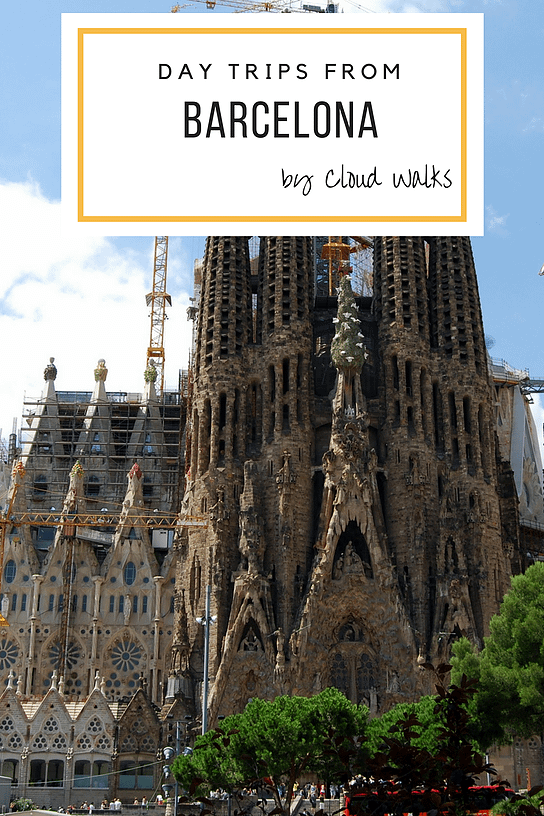 Guide to day trips from Barcelona - Travel Guides for Spain - Image of Large Cathedral named Sagrada Familia