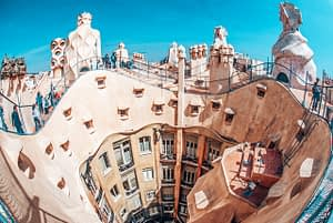 Image of curvy building, Casa Mila in Barcelona from above